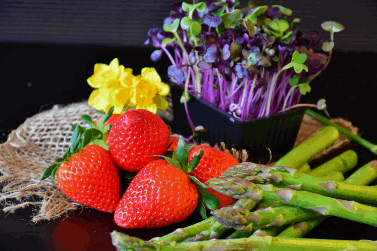 11 Spring Superfoods to Add to Your Diet